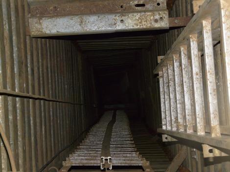 Speleology Shaft Pit Cave Deep Cave Dark Head